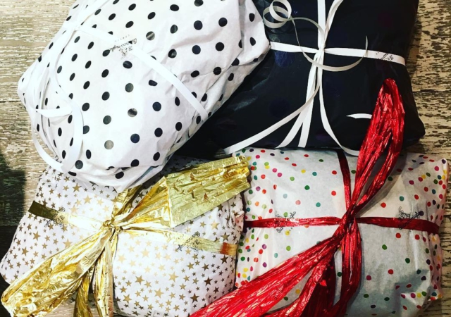 Grazie🙏alle nostre affezionate online per sceglierci per il vostro Natale#kidswear#kidsstyle#spedizionirestodelmondo